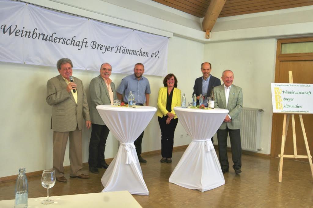 Florian Weingart, dritter von links, bei 10 Jahrefeier für WBH